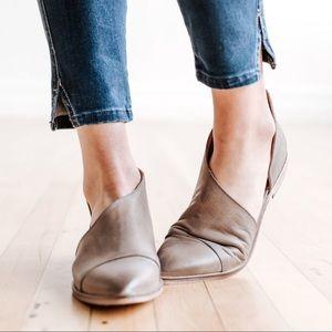 Shoes - New STONE Side Cutout Flats